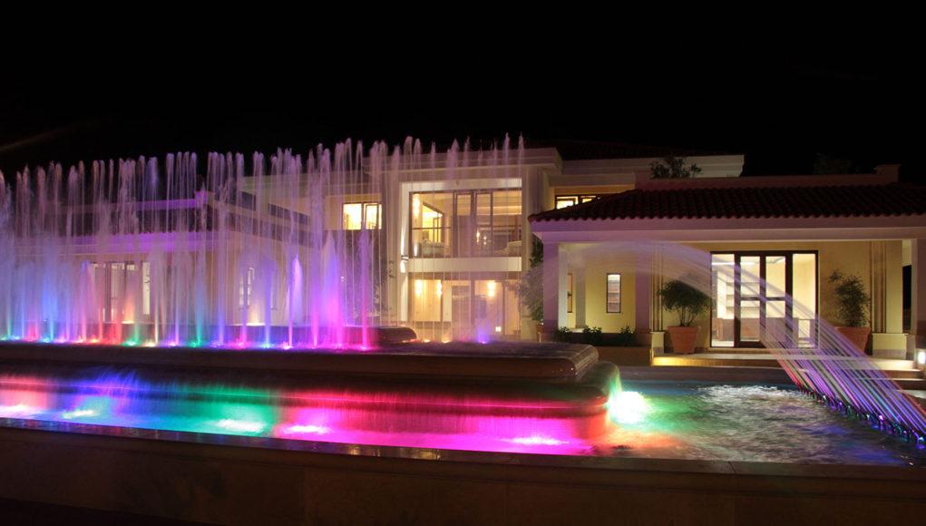SICILY BY CAR, dettaglio piscina illuminata